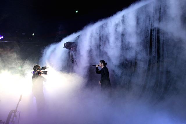 """KREVA、""""新たなライブ様式""""に向けた粋な試みの数々 ストリーミングライブ『①(マルイチ)』レポートの画像2-3"""