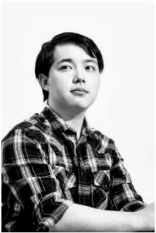 ヤングジャンプ編集 李