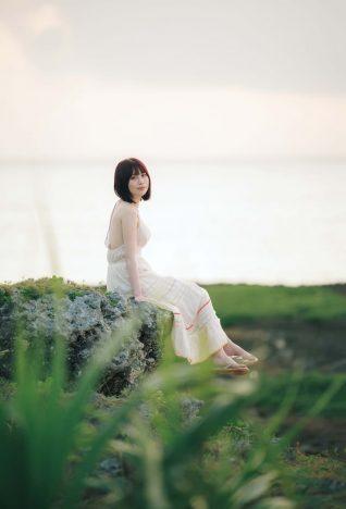 宮内凛1st写真集 『凛と』(撮影:カノウリョウマ)秋田書店